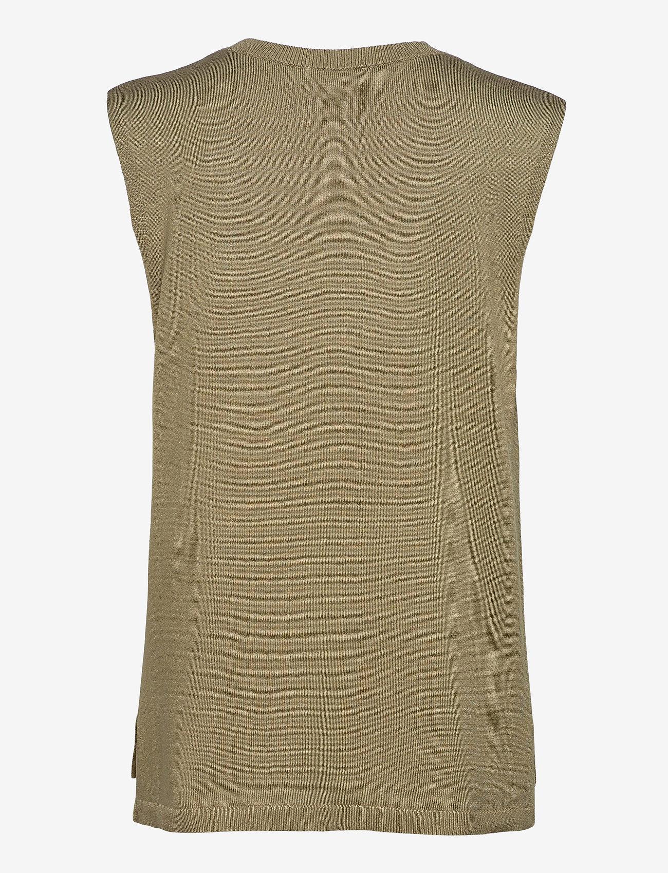 Soft Rebels - Marla V-neck Loose Fit Knit Vest - strikveste - covert green - 1