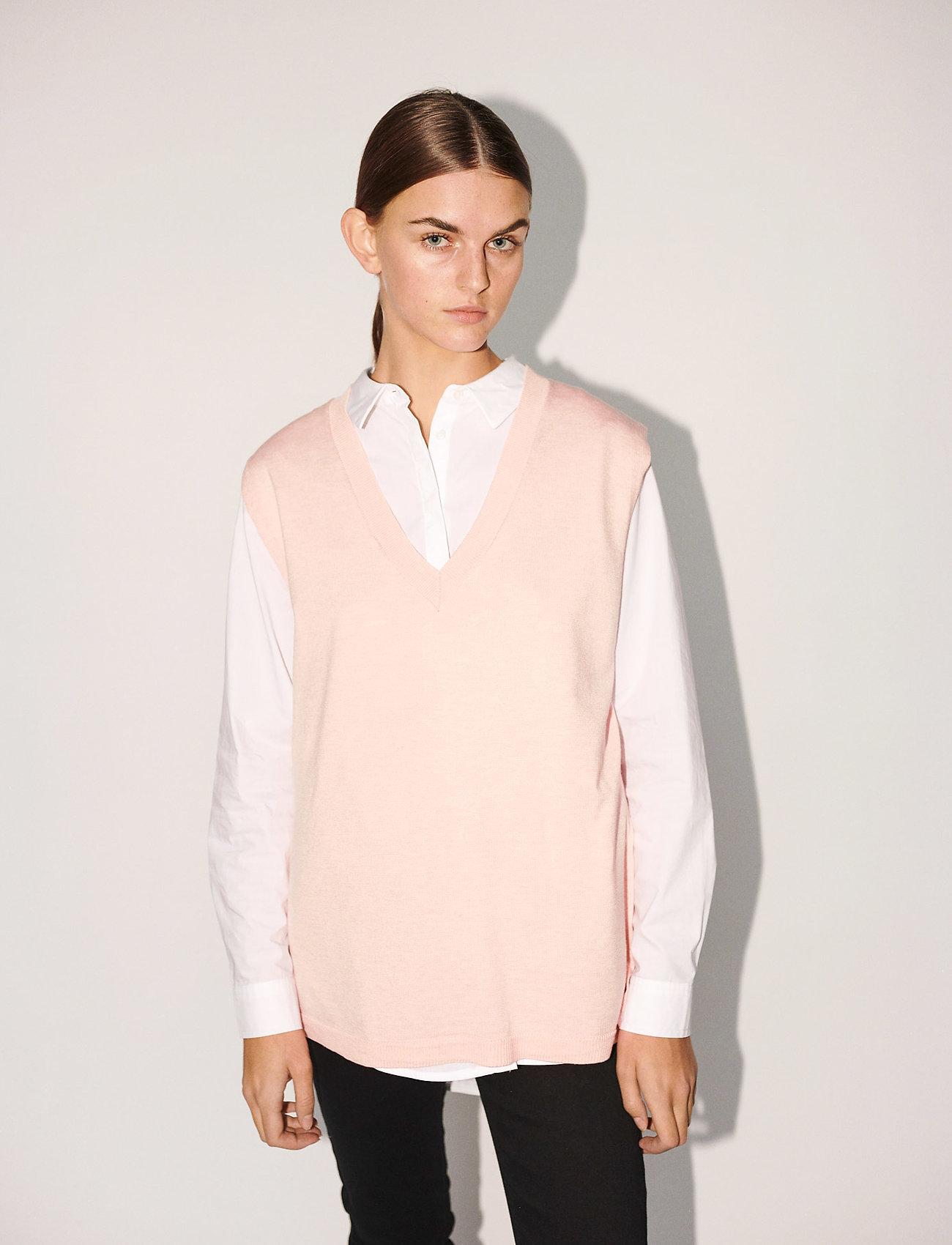 Soft Rebels - SRMarla V-neck Loose Fit Knit Vest - knitted vests - sepia rose - 0