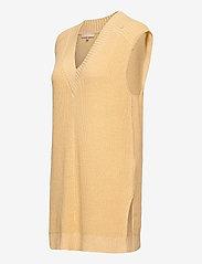 Soft Rebels - SRTammy V-neck Knit Vest - knitted vests - reed yellow - 2