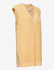 Soft Rebels - SRTammy V-neck Knit Vest - knitted vests - reed yellow - 3