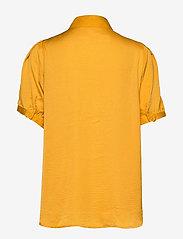 Soft Rebels - Andrea 2/4 Shirt - short-sleeved blouses - kumquat - 1