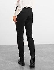 Soft Rebels - Sofia 7/8 Pant - broeken med straight ben - black - 3
