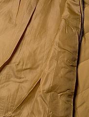 Soft Rebels - Shila Coat - quiltede jakker - cumin - 4