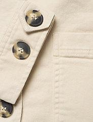 Soft Rebels - SRLauren LS Short Loose Jacket - denim jackets - snow white / off white - 3