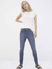 Soft Rebels - Cassy Boyfriend Pant - boyfriend jeans - 775 medium wash - 0
