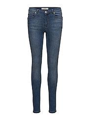Casia Slim Pant