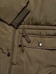 Soft Rebels - Layla Puffer Jacket - down- & padded jackets - dark olive - 4