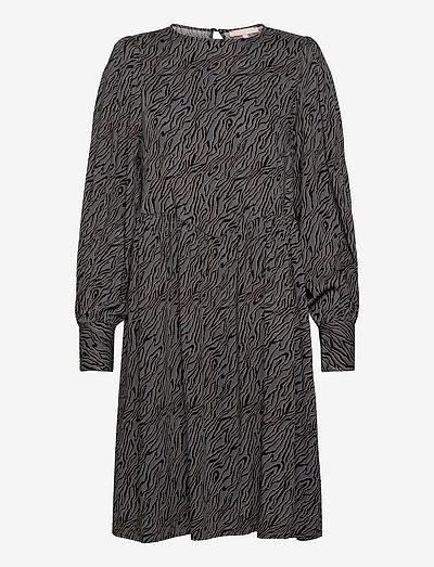 SRAline Dress - sommerkjoler - lines magnet