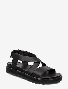 ROAMING™ CRISS CROSS SANDAL - black
