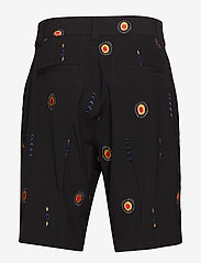 Soulland - DAVIDOV BAGGY SHORTS W. EMBROIDERIES - tailored shorts - black - 1