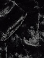 Soyaconcept - SC-AUGUSTA - faux fur - black - 3