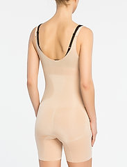 Spanx - SHAPESUIT - bottoms - soft nude - 3