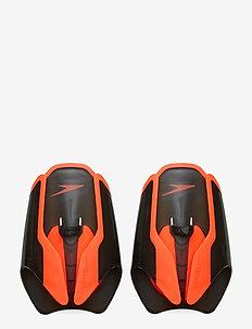 FASTSKIN HAND PADDLE - BLACK / SIREN RED