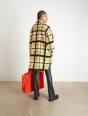 Stand Studio - Sabi Jacket - sztuczne futro - yellow/black/white check - 6