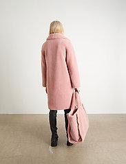 Stand Studio - Camille Cocoon Coat - sztuczne futro - light pink - 6