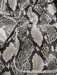 Stand Studio - Maj Jacket - bomber jakker - natural snake - 3