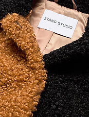 Stand Studio - Marcella Jacket - faux fur - nougat - 2