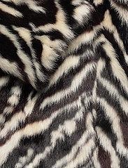 Stand Studio - Aurora Coat - faux fur - black/white - 3