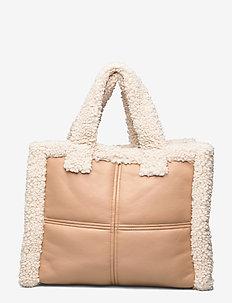 Lolita Shearling Bag - shoppers - beige