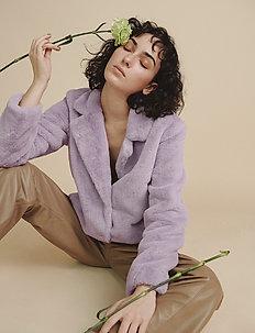 Mariska Jacket - fake fur - pale iris