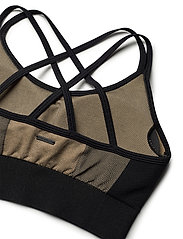 Stay In Place - Seamless Strap Sports Bra - sport bras: medium - bold blonde - 5