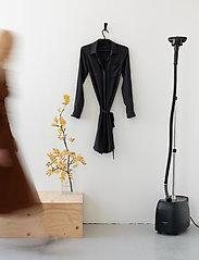 Steamery - Stratus No.2 – Professional Steamer - pielęgnacja odzieży - black - 11