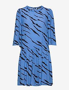Selma - korte jurken - blue coral