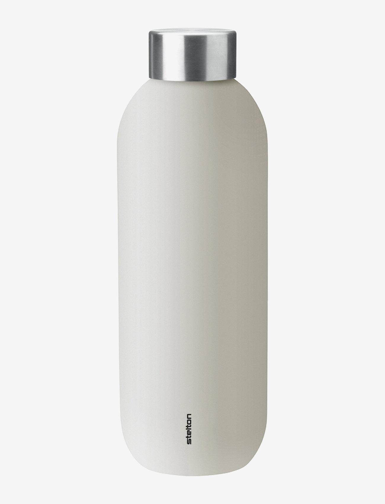 Stelton - Keep Cool vacuum drinking bottle, 0.6 l. - vesi- ja lasipullot - sand/steel - 0