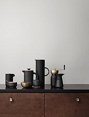 Stelton - EM77 vacuum jug, 1 l. - kannut & karahvit - soft black - 2