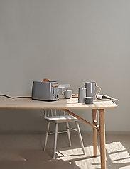 Stelton - Emma vacuum jug, tea - 1 l. - kannut & karahvit - grey - 2