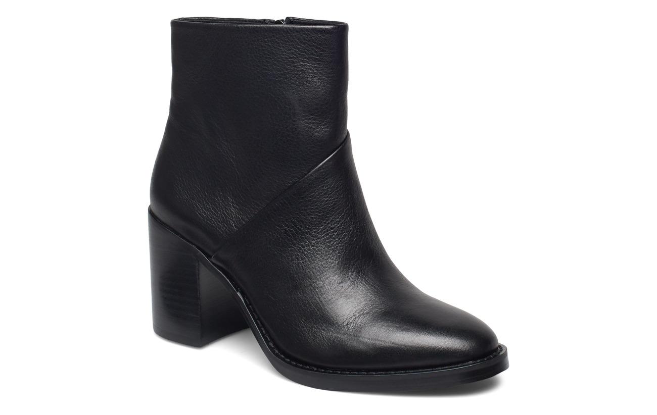 Steve Madden Tenley Bootie - BLACK LEATHER