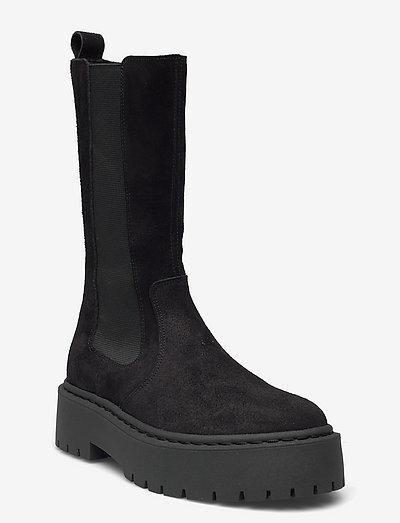 Vivianne Boot - platta ankelboots - black suede
