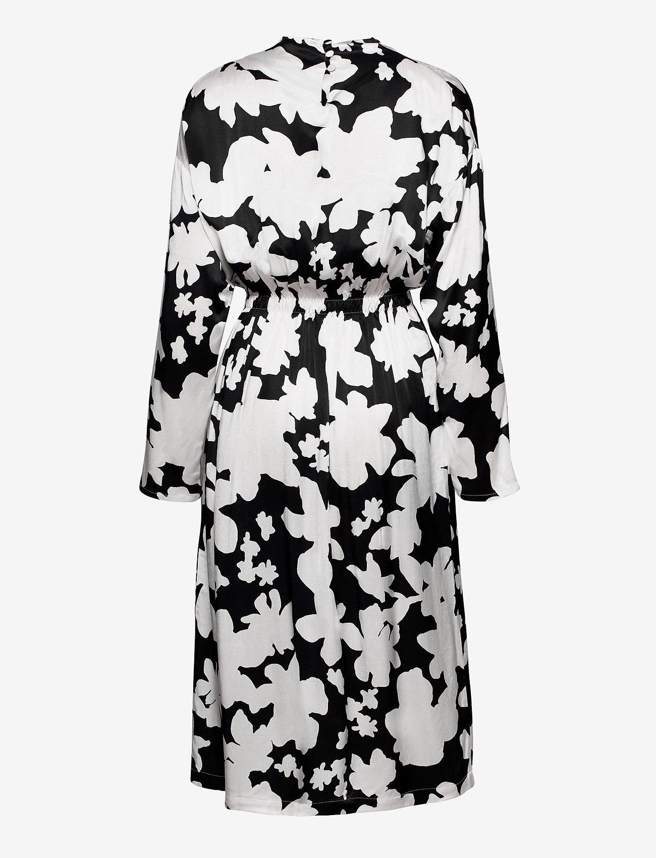 STINE GOYA - Jay, 1039 Printed Rayon - midi kjoler - daisy - 2