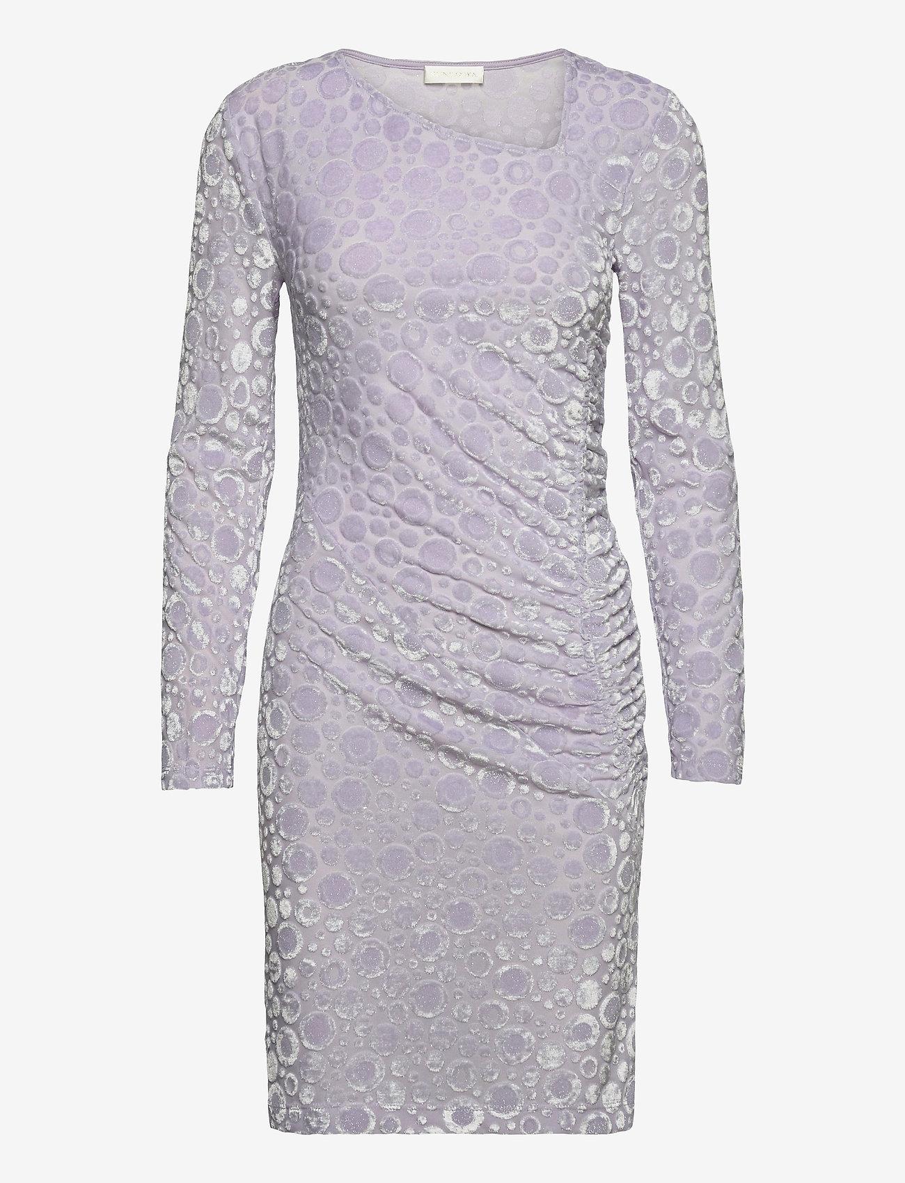 STINE GOYA - Moa, 1087 Velvet Devoré - stramme kjoler - dots lilac - 1