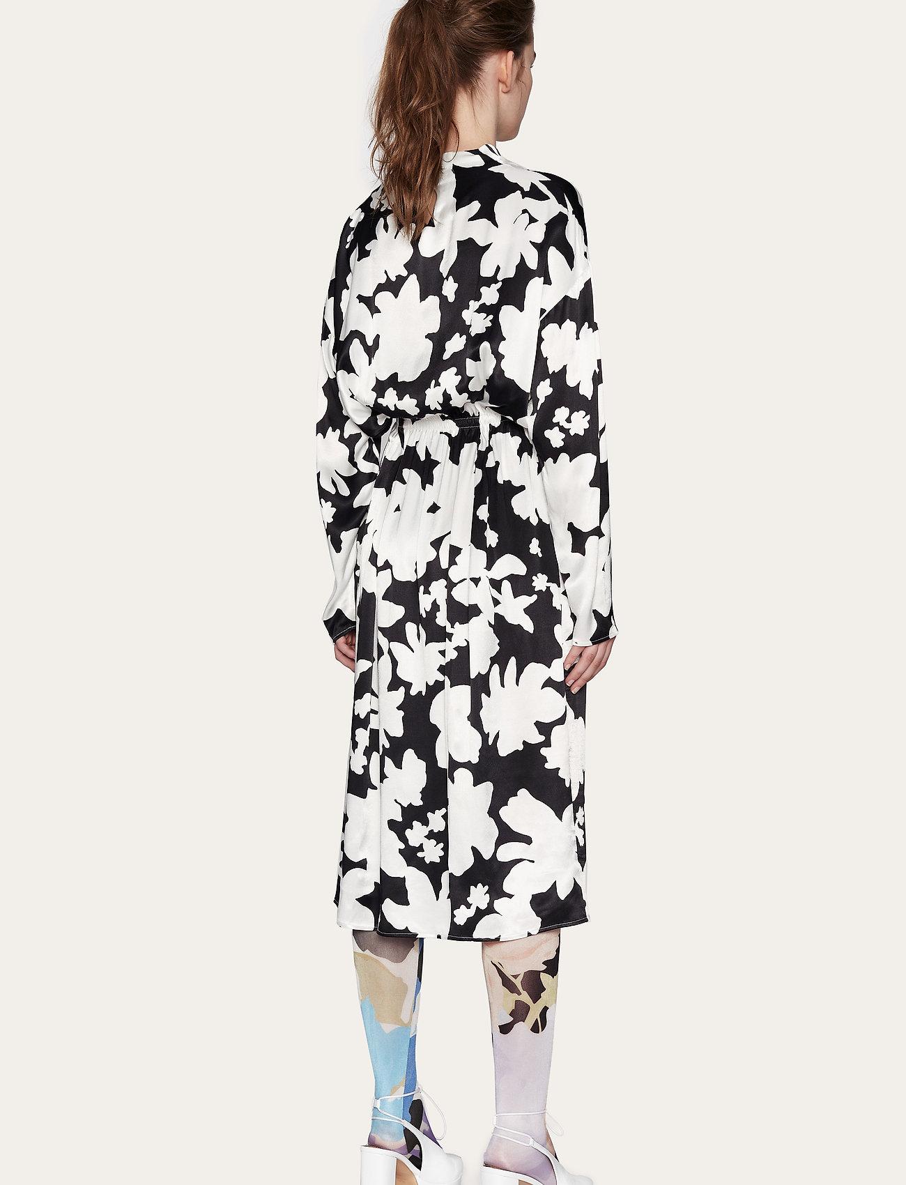 STINE GOYA - Jay, 1039 Printed Rayon - midi kjoler - daisy - 3