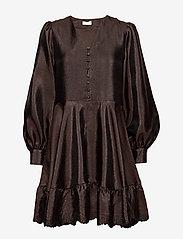 STINE GOYA - Farrow, 699 Textured Polyester - cocktailkjoler - mocha - 2