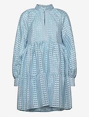 STINE GOYA - Jasmine, 864 Gingham Poly - korta klänningar - ice - 1