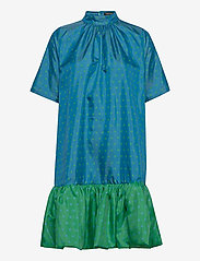 STINE GOYA - Wendy, 870 Green Blue Dots - midiklänningar - blue green - 1
