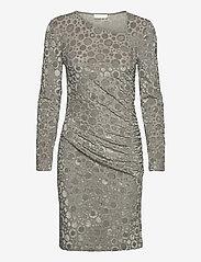 STINE GOYA - Moa, 1087 Velvet Devoré - stramme kjoler - dots silver - 1