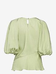STINE GOYA - Cora, 1110 Viscose Twill - kortærmede bluser - fog green - 2