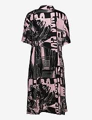 STINE GOYA - Hunter, 1186 Poly Twill - zomerjurken - pompette rosado - 1