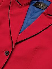 Iris, 445 Garnet Tailoring