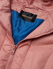 Taylor, 432 Down Jacket