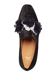 Sigrid, 496 Velvet Shoes