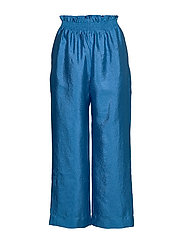 Andre, 784 Textured Poly - BLUE