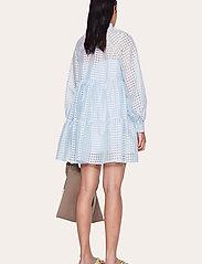 STINE GOYA - Jasmine, 864 Gingham Poly - korta klänningar - ice - 3