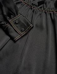 STINE GOYA - Ines, 921 Solid Sheen Cady - langærmede bluser - black - 4