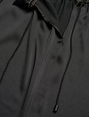 STINE GOYA - Ines, 921 Solid Sheen Cady - langærmede bluser - black - 5