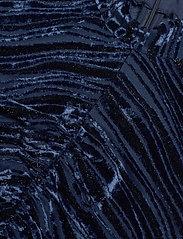 STINE GOYA - Asher, 1008 Velvet Devoré - cocktailklänningar - wave midnight - 4
