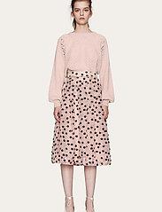 STINE GOYA - Thea, 1012 Meadow Organza - midi kjolar - meadow blush - 0